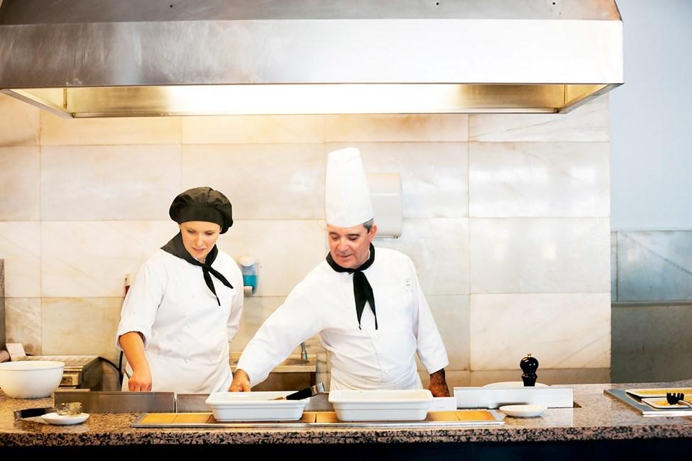 Sunprime Restaurant erbjuder god och vällagad mat till frukost, lunch och middag.