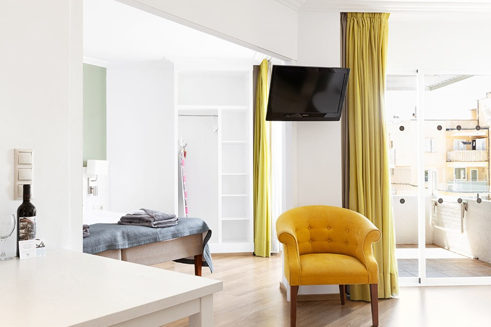 Junior Suite 1 rum, balkong mot poolområdet