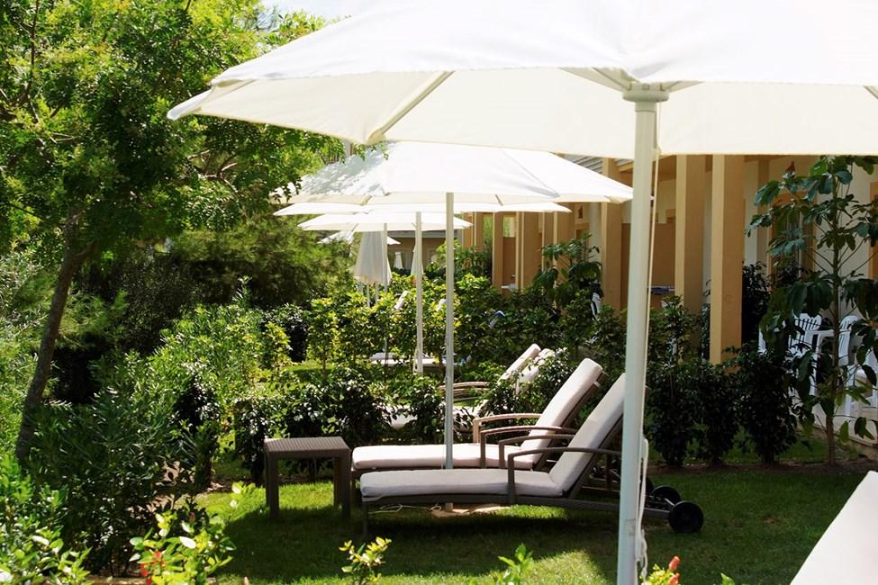 Tvårumslägenhet med privat trädgård