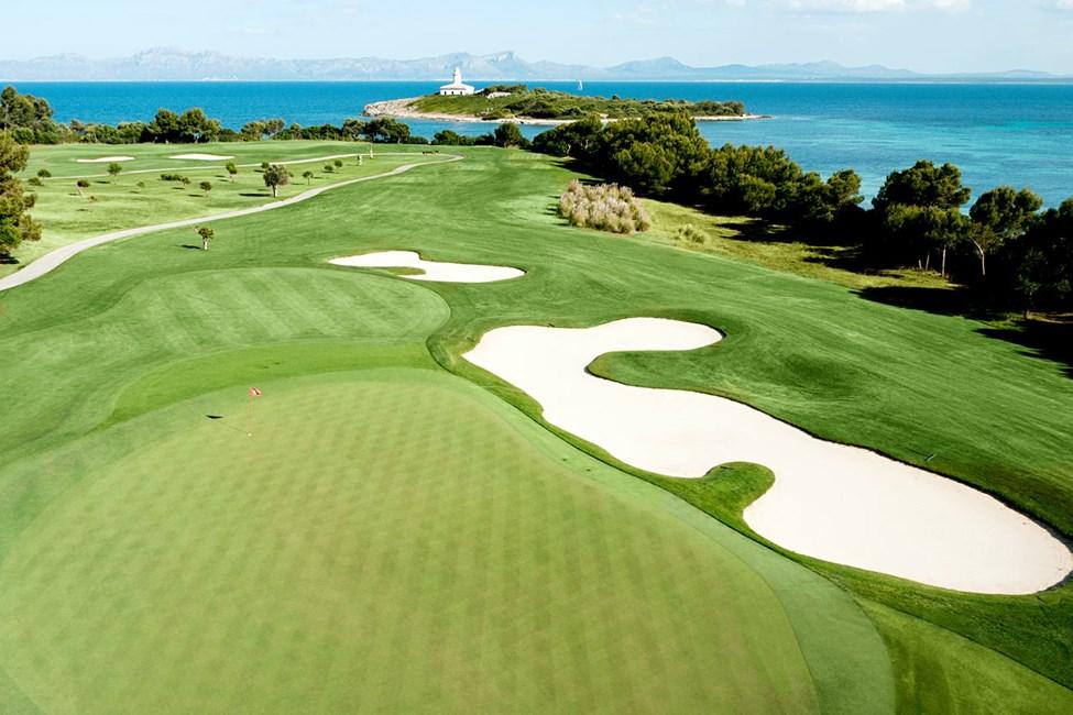 Golfbanan Alcanada, cirka 4,5 km från hotellet