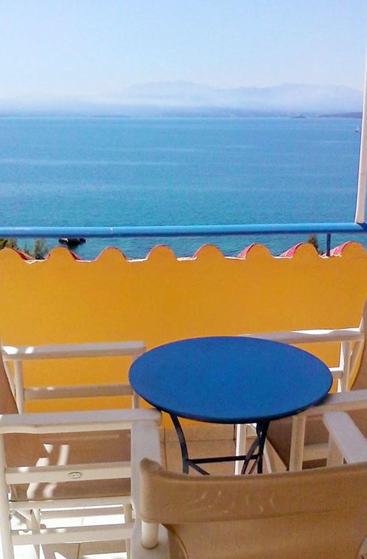 Enrumslägenhet med balkong och havsutsikt