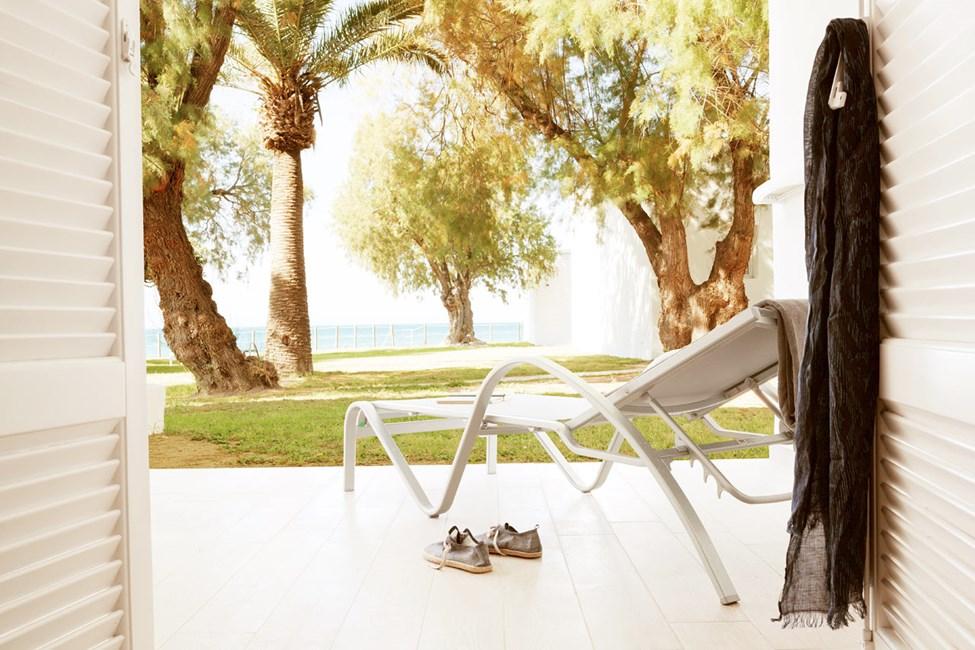 Bungalow Suite, terrass med trädgården