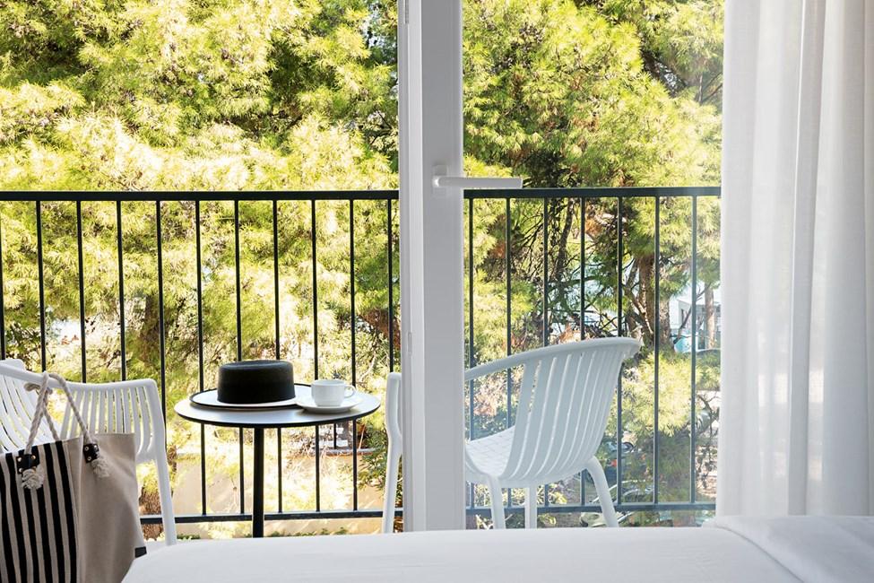Tvårumslägenhet med balkong mot trädgården i Noa Roko-byggnaden