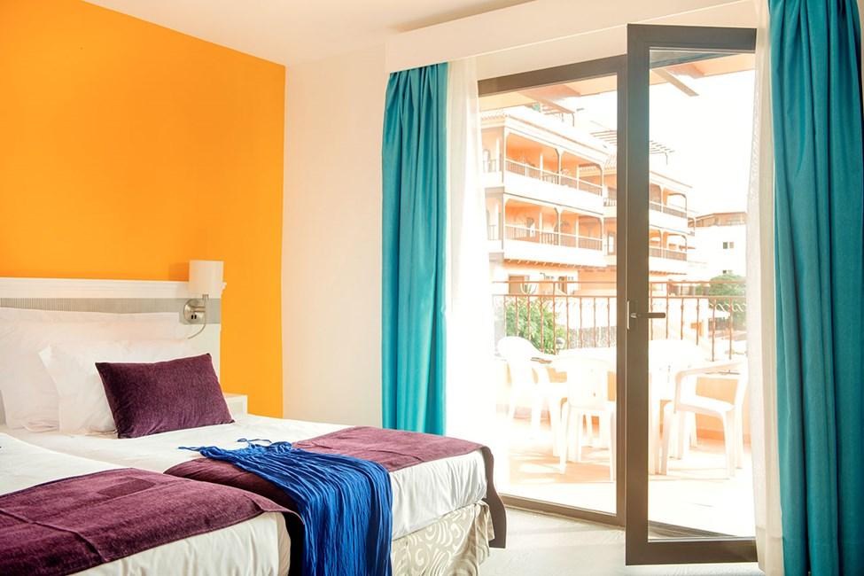 Sovrummet i en större tvårumslägenhet och trerumslägenhet