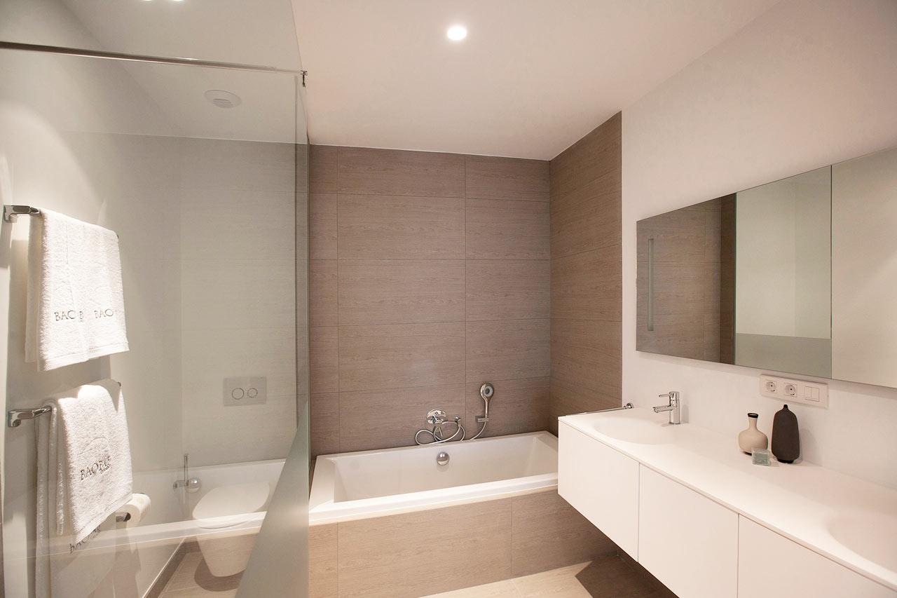 Badrummet i två- och trerumslägenheterna