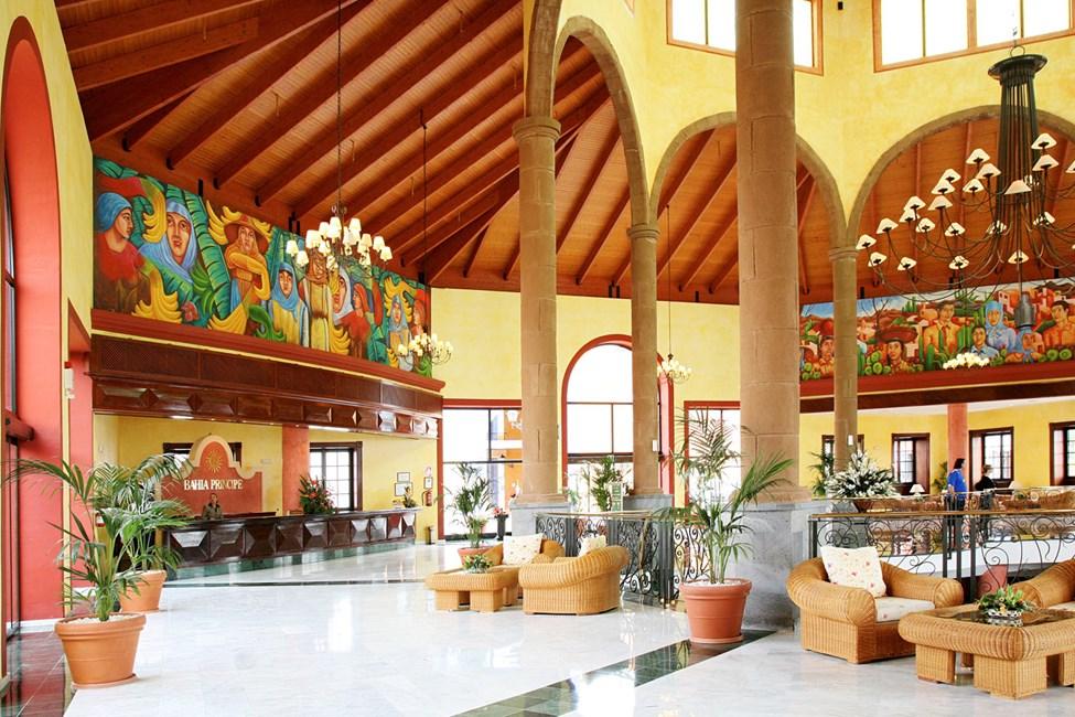 Den luftiga lobbyn i Adeje-delen