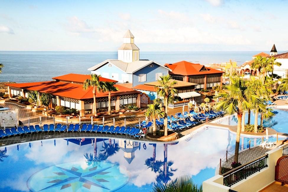 Poolområde vid Tenerife-delen med poolbar och den mexicanska à la carte-restaurangen