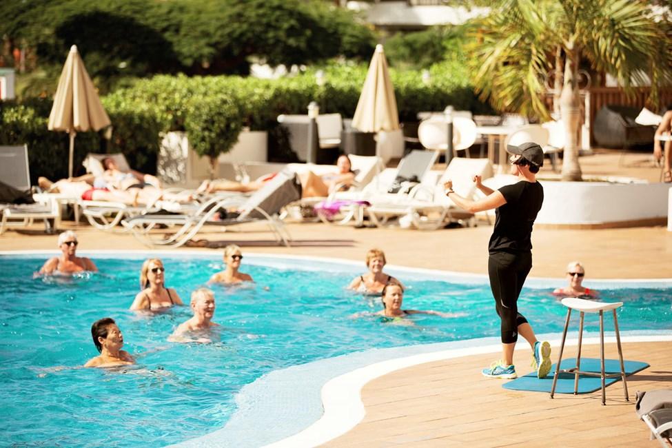 Var med på ett uppiggande pass vattengymnastik