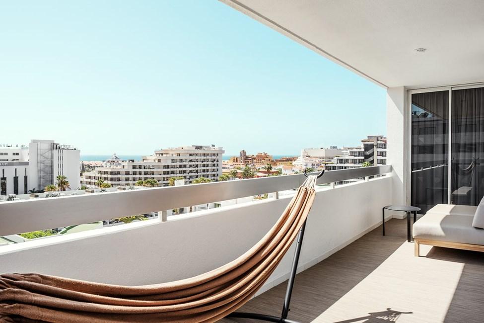 Prime Lounge Suite 2 rum, balkong mot omgivningarna