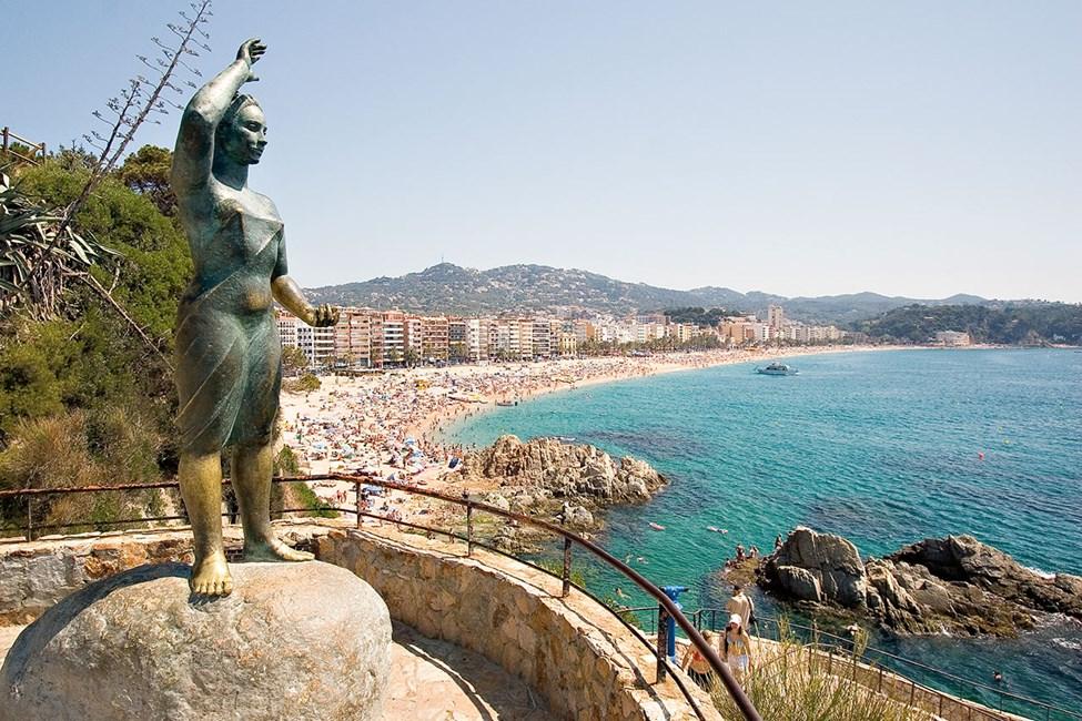 Fantastisk utsikt vid konstverket La Dona Marinera
