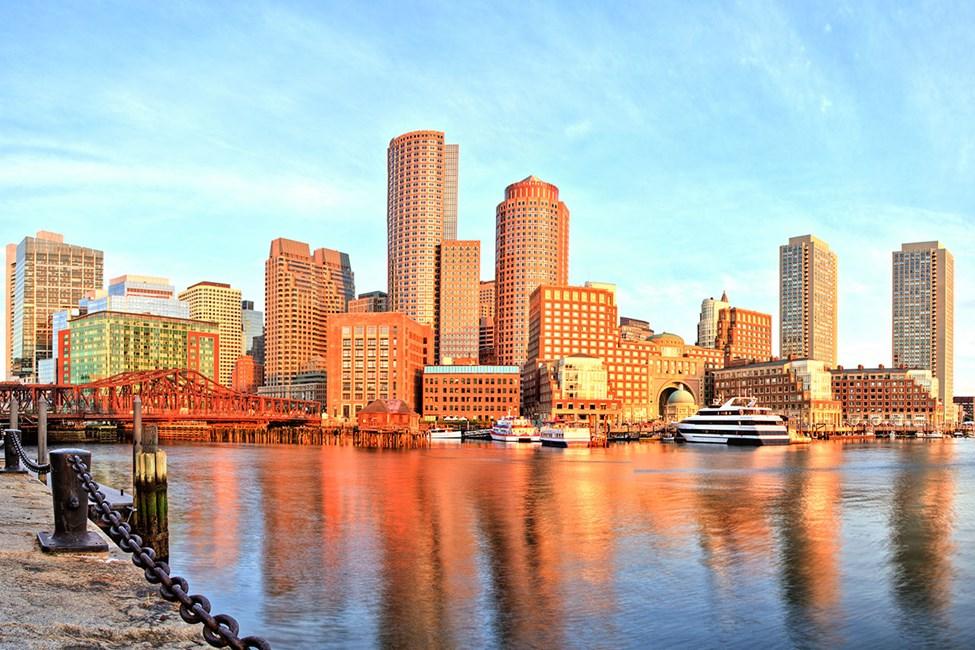 Bostons hamn och finansdistrikt