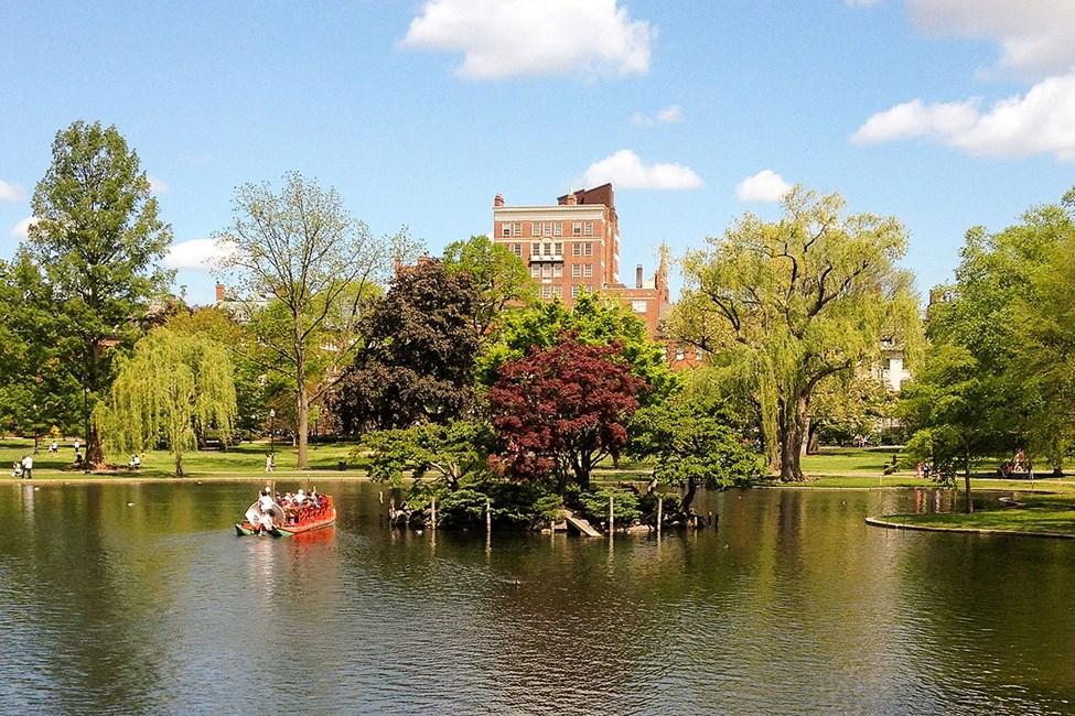 Den vackra parken Boston Common ligger mitt i staden