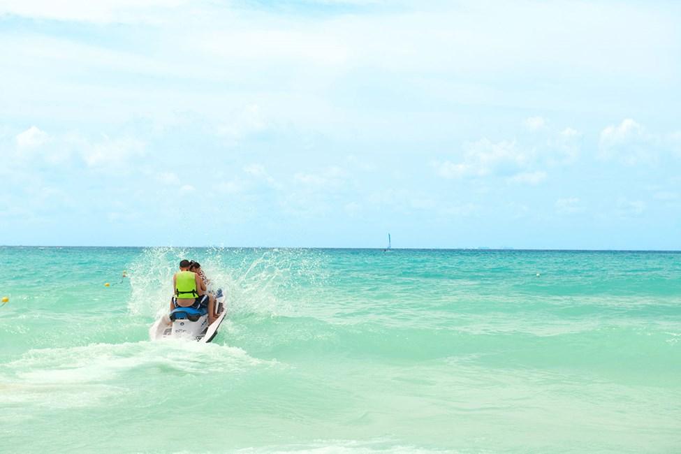 I Playa del Carmen kan du välja mellan mängder av vattensporter