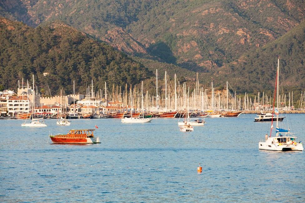 I marinan kan du beskåda hundratals båter från hela medelhavet.