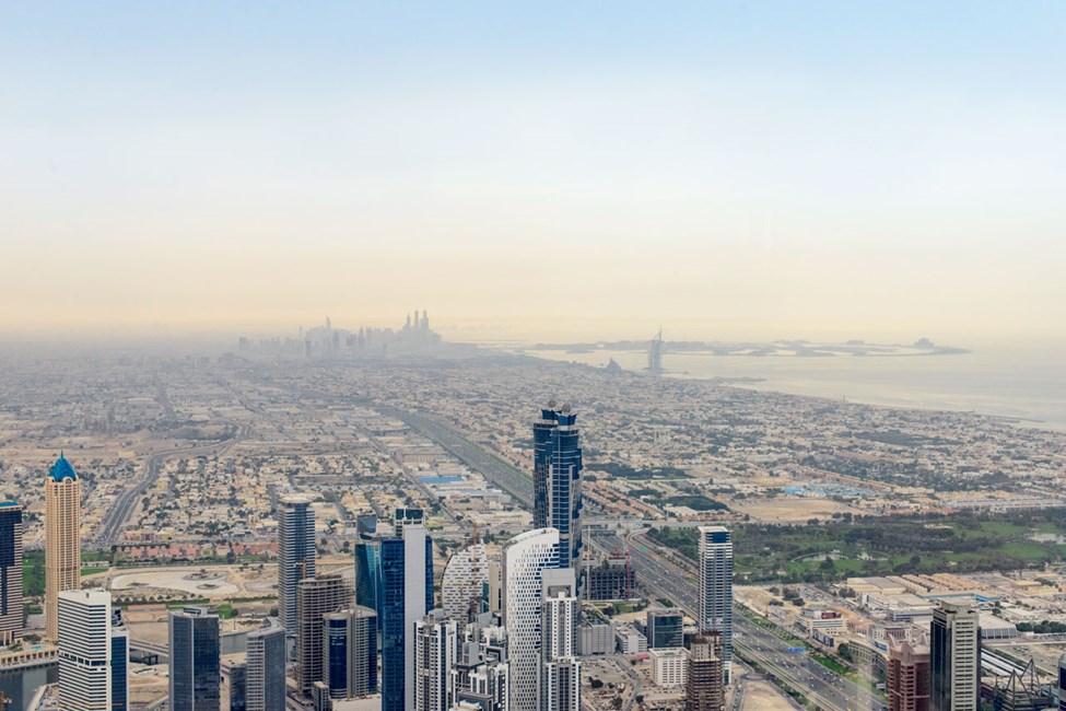 """Utsikt från """"At the top"""" i Burj Khalifa"""
