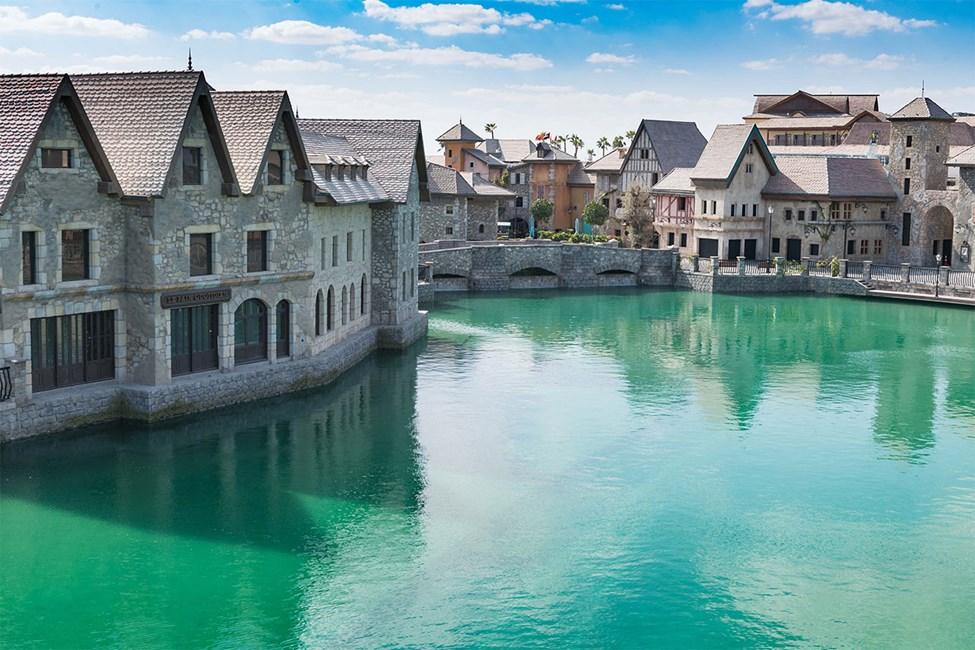 French Village i Riverland™