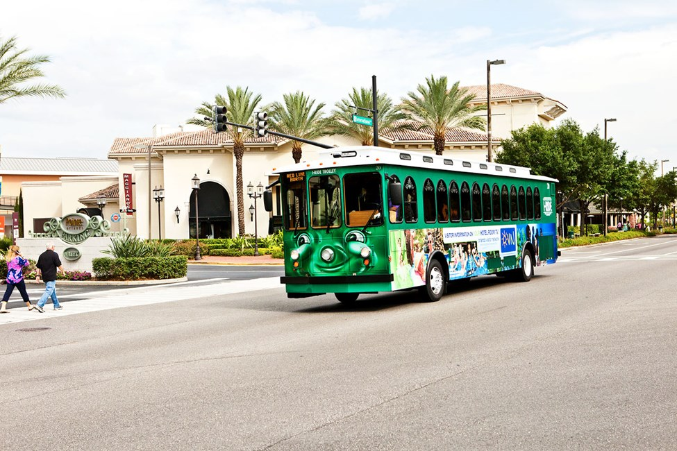 Det kör gratisbussar mellan hotellen och shoppinggatorna