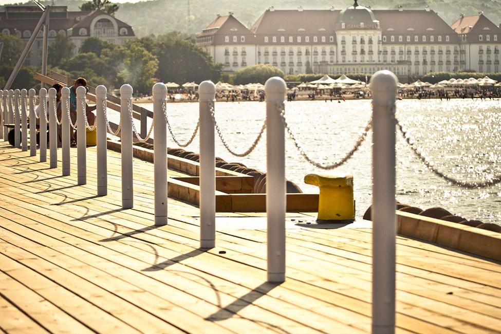 Tjusiga hotell längs stranden