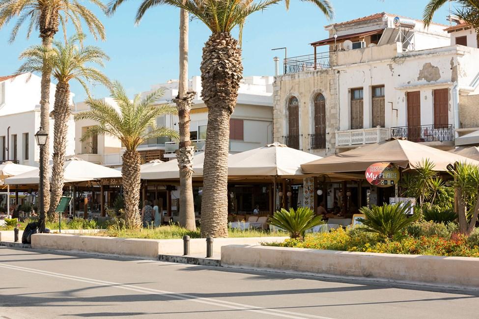 Efter strandpromenaden i Rethymnon - med många trevliga restauranger och barer