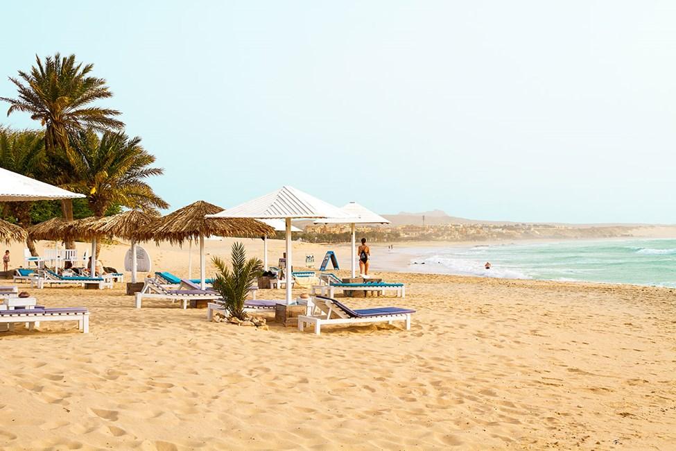 Stranden vid restaurang Perola d'Chaves