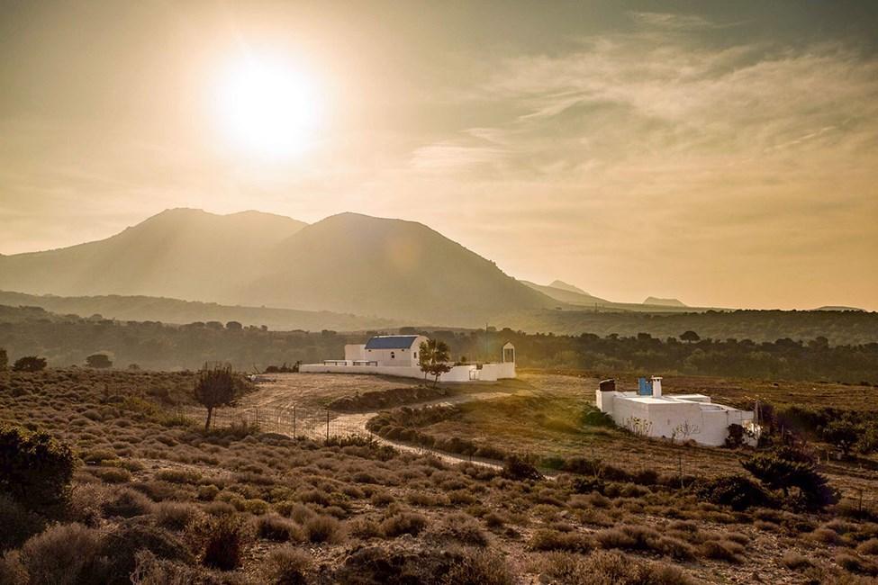 De lantliga omgivningarna kring Marmari och Tigaki är rogivande och typiskt grekiska
