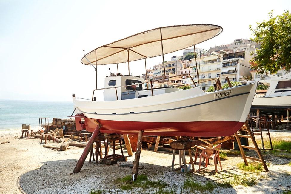 Karnagio är ett café på berget i Kavala stad