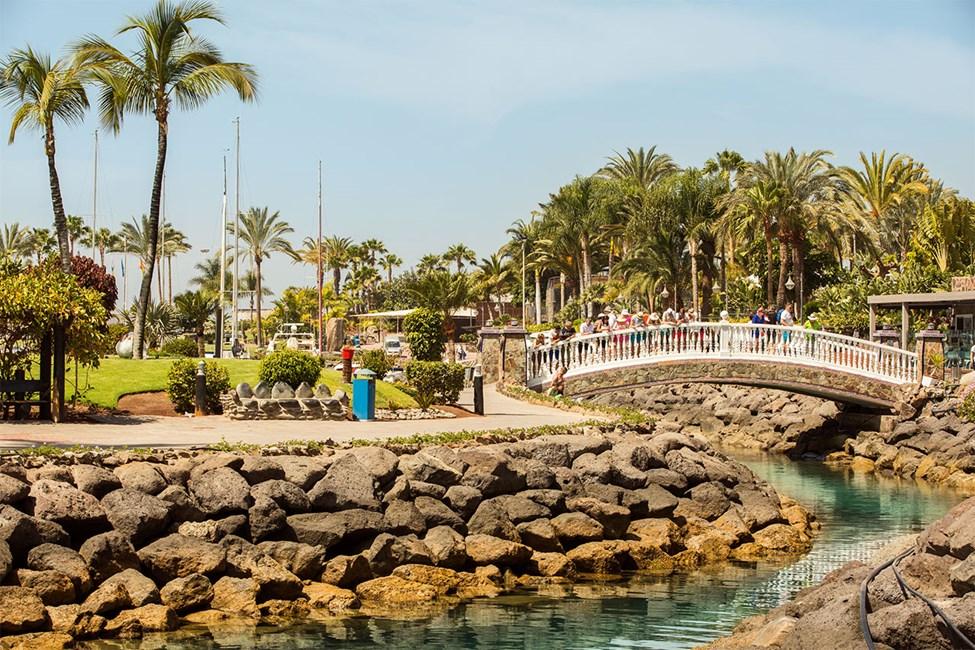 Den lilla parken vid Anfi-stranden