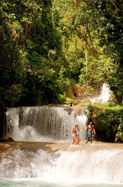 YS Falls - ett av Jamaicas spektakulära vattenfall