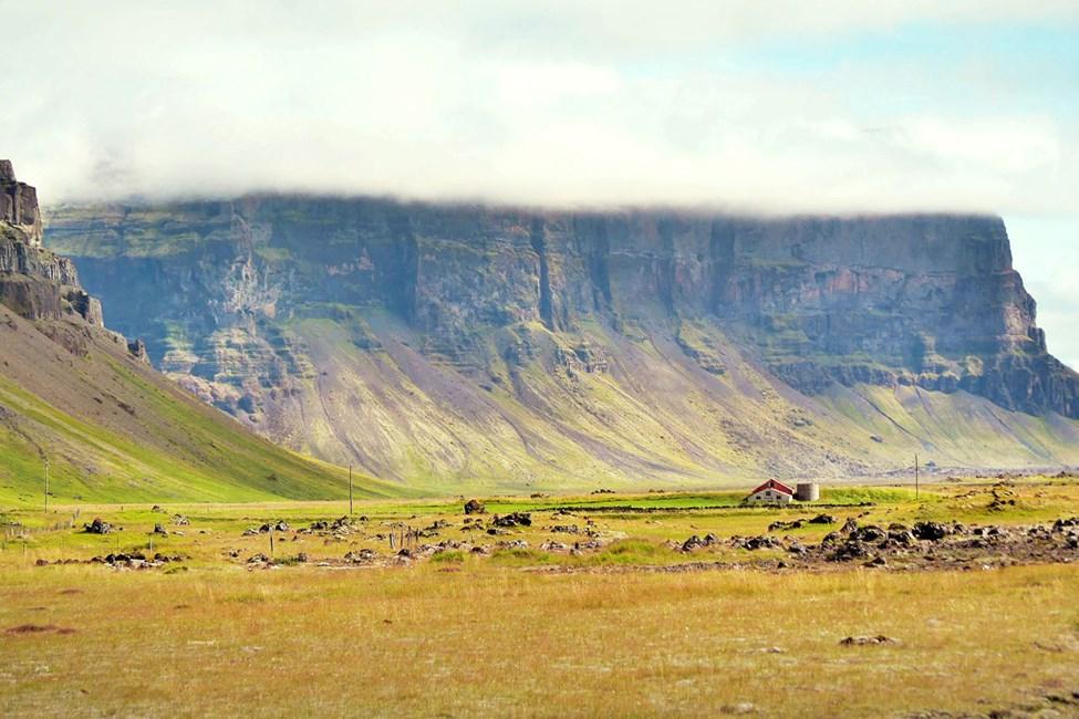 Lugnet på Island får Reykjavik ibland att framstå som en livlig storstad