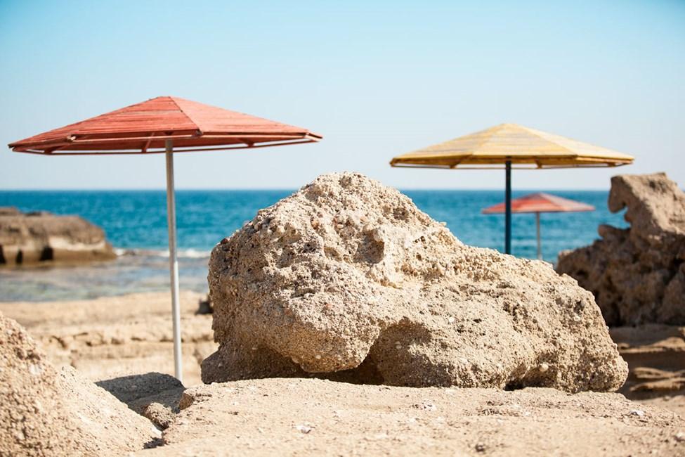 Tassos Beach ligger ca 4,5 km från Kallithea