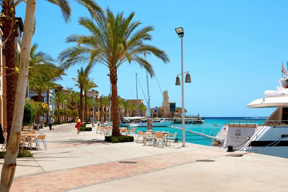 Strandpromenaden i Port Ghalib