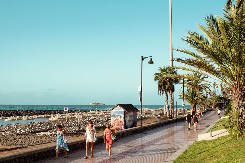Strandpromenaden i Playa de las Américas