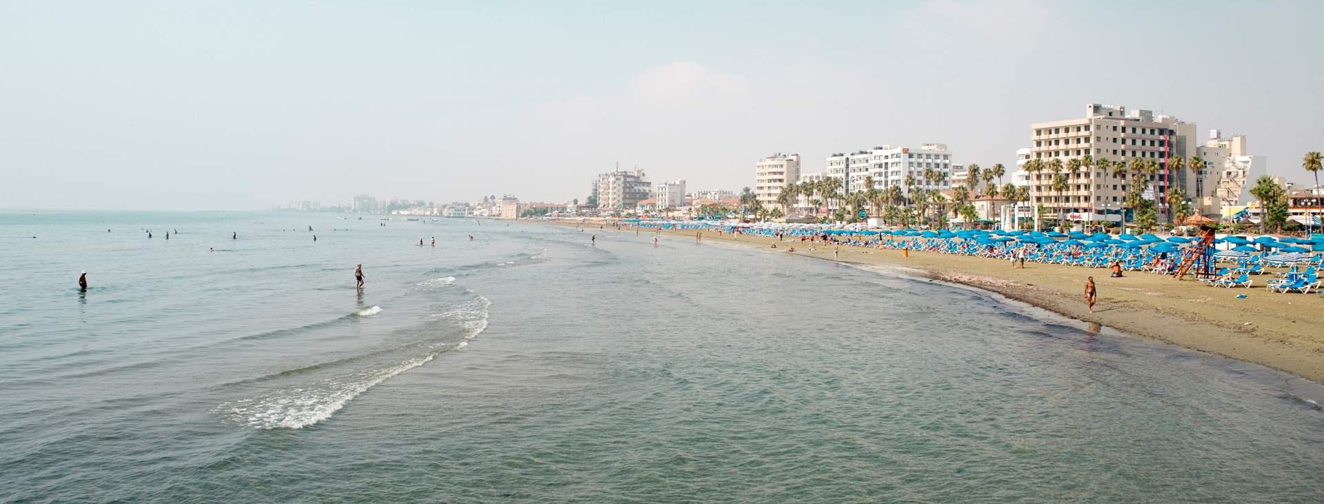 Boka en resa till Larnaca på Cypern med Ving