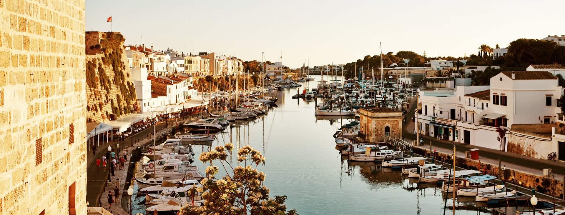 Boka din resa till Ciutadella på Menorca med Ving