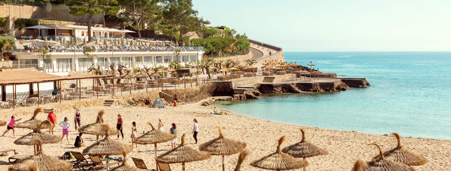 Boka din resa till Cala San Vicente på Mallorca