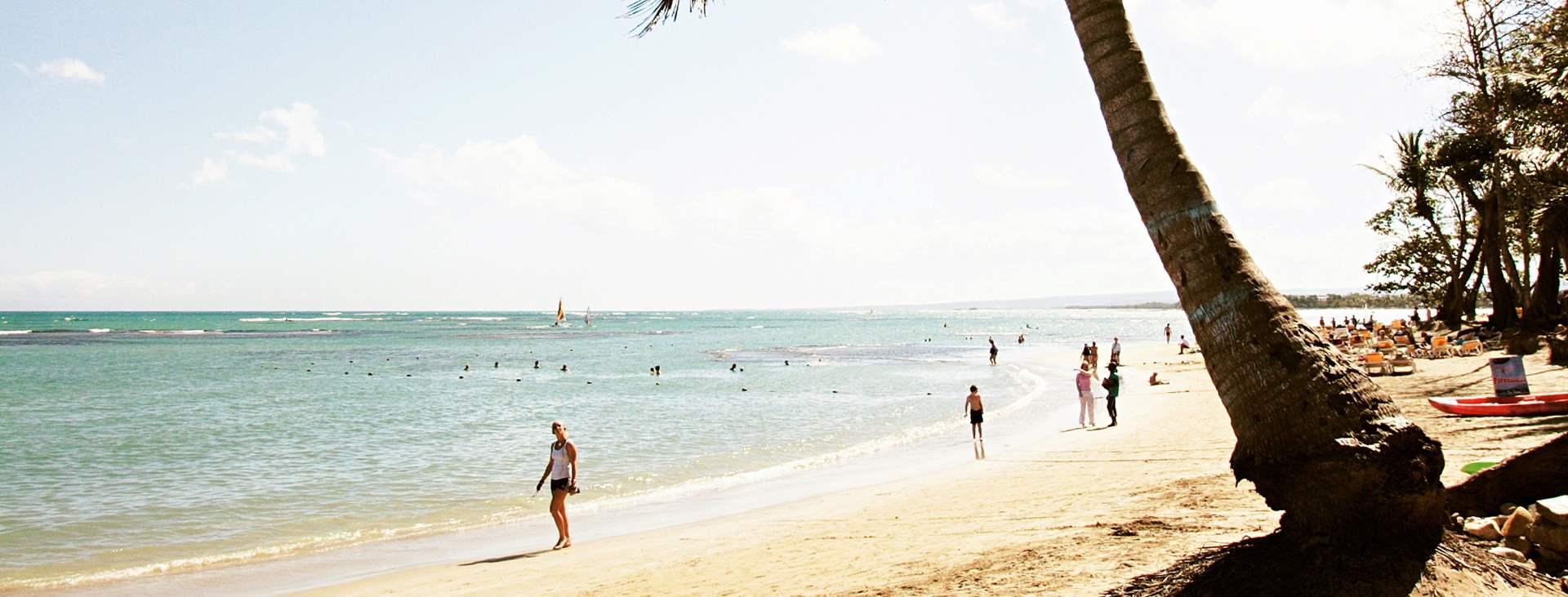 Boka en resa till Playa Dorada i Karibien