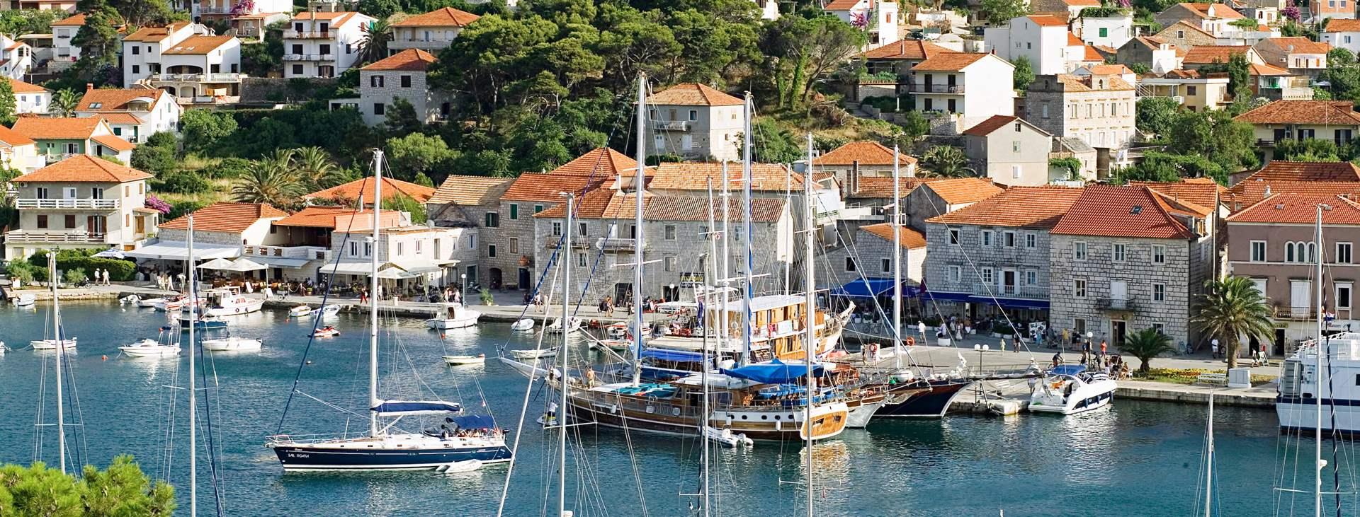 Resor till Jelsa på ön Hvar i Kroatien